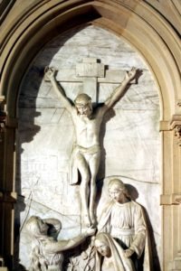Emmauskirche Altarbild Jesus am Kreuz